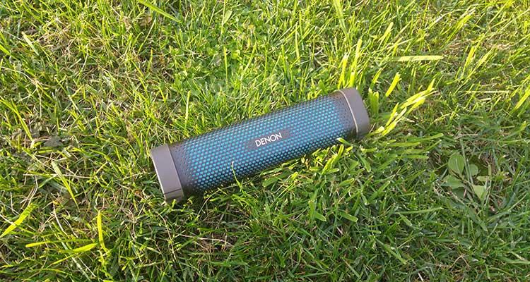 blauwe draagbare speaker