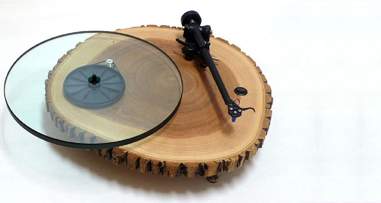 houten platenspeler
