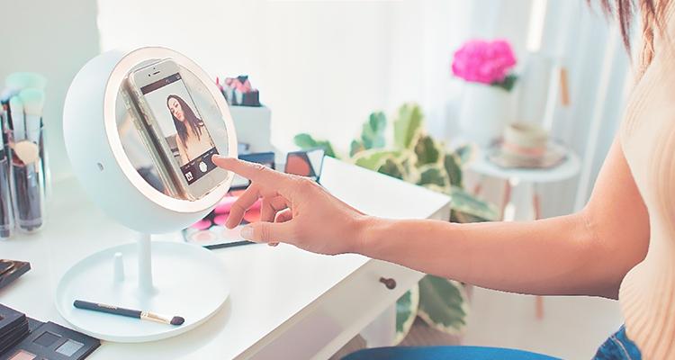 Juno smart mirror
