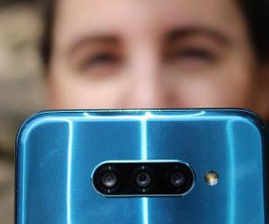 LG Q60 zoom
