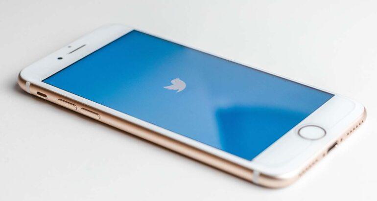 Twitter app op smartphone